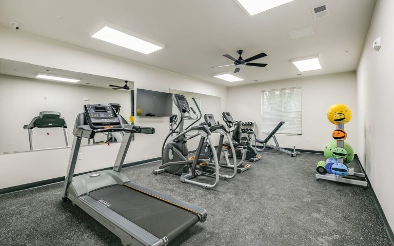 geneseo commons, apartment with fitness center, senior apartments in kenosha