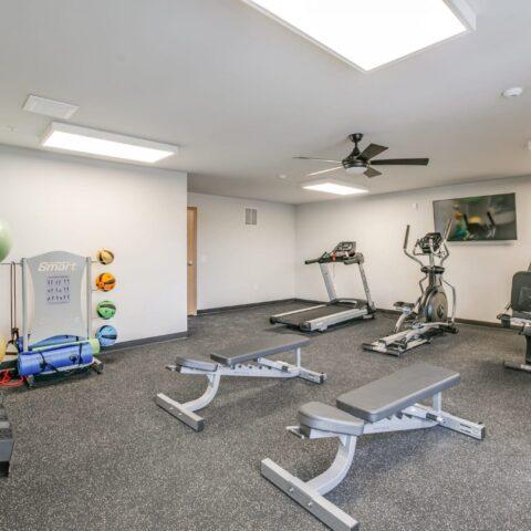davenport senior living amenities, senior living amenities included, affordable senior living amenities